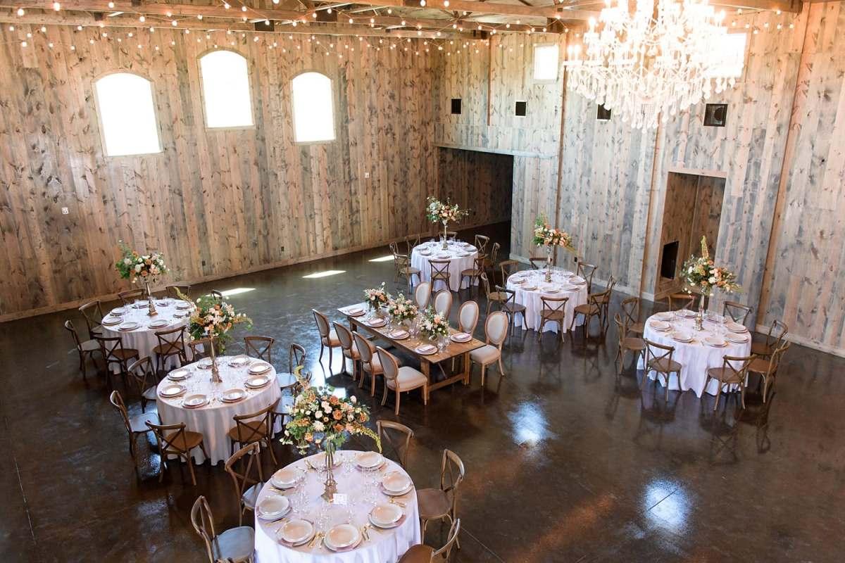 sun valley barn wedding reception in pella