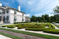 A guide to Delaware's over-the-top mansions and gardens ...