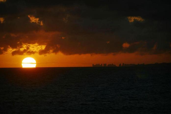 Playa Mansa sun