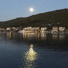 Mljet moon full