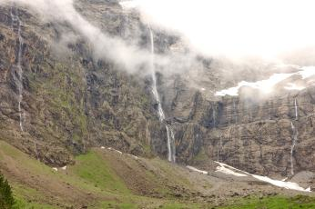 Cirque de Gavarnie waterfall misty