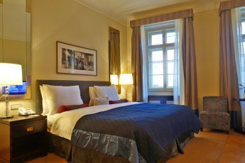 Prague Mandarin Oriental bedroom
