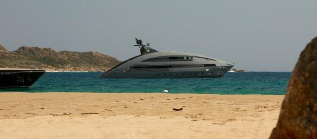 Domaine de Murtoli huge yacht