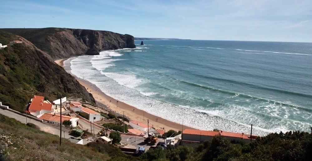Praia Arrifana bay view