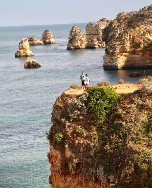Praia da Dona Ana couple kissing