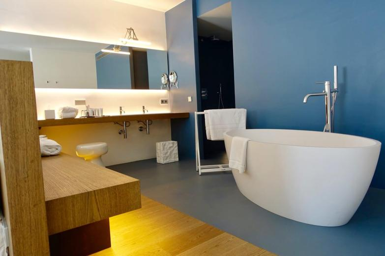 Mas Lazuli bathroom