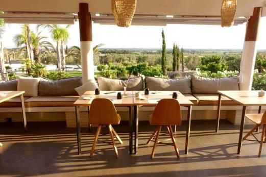Hotel Mas Lazuli restaurant view