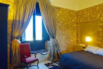 Castell d'Emporda castel bedroom