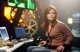 Oracle Return Dina Meyer as Orcale