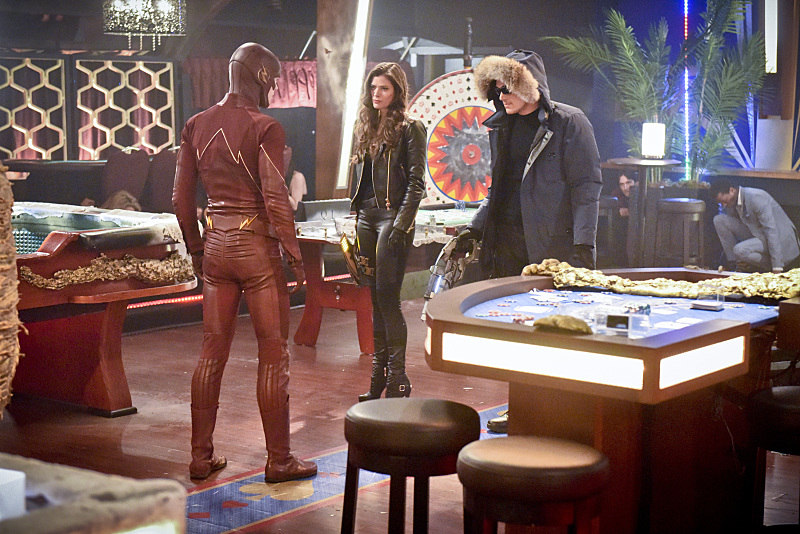 """The Flash -- """"Rogue Time"""" -- Image FLA116B_0301b -- Pictured (L-R): Grant Gustin as Barry Allen / The Flash, Peyton List as Lisa Snart, and Wentworth Miller as Leonard Snart/Captain Cold -- Photo: Dean Buscher/The CW -- © 2015 The CW Network, LLC. All rights reserved."""