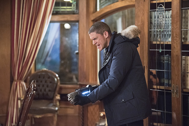 """The Flash--""""Rogue Time""""--image FLA116A_0557b--Wentworth Miller as Leonard Snart/Captain Cold Photo: Dean Buscher/The CW--© 2015 The CW Network, LLC. All rights reserved."""