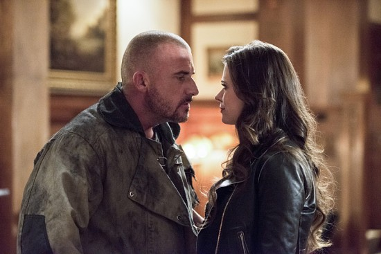 """The Flash--""""Rogue Time""""--image FLA116A_0530b--Pictured: (L-R) Dominic Percell as Mick Rory/Heat Wave and Peyton List as Lisa Snart--Photo: Dean Buscher/The CW--© 2015 The CW Network, LLC. All rights reserved."""