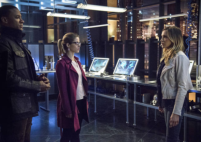 "Arrow -- ""Al Sah-Him"" -- Image AR321B_0080b -- Pictured (L-R): David Ramsey as John Diggle, Emily Bett Rickards as Felicity Smoak and Katie Cassidy as Laurel Lance -- Photo: Cate Cameron/The CW -- © 2015 The CW Network, LLC. All Rights Reserved."