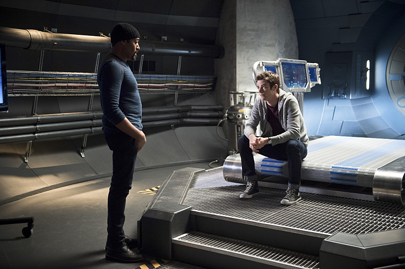 "The Flash -- ""Fast Enough"" -- Image FLA123A_0004b -- Pictured (L-R): Jesse L. Martin as Detective Joe West and Grant Gustin as Barry Allen -- Photo: Diyah Pera/The CW -- © 2015 The CW Network, LLC. All rights reserved."
