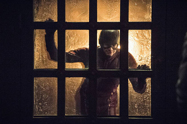 """Arrow -- """"My Name is Oliver Queen"""" -- Image AR323A_0116b -- Pictured: Grant Gustin as Barry Allen / The Flash -- Photo: Cate Cameron/The CW -- © 2015 The CW Network, LLC. All Rights Reserved."""