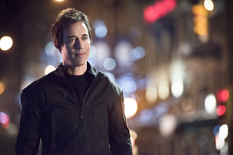 """The Flash -- """"Rogue Air"""" -- Image FLA122C_0506b -- Pictured: Tom Cavanagh as Harrison Wells -- Photo: Dean Buscher /The CW -- © 2015 The CW Network, LLC. All rights reserved."""