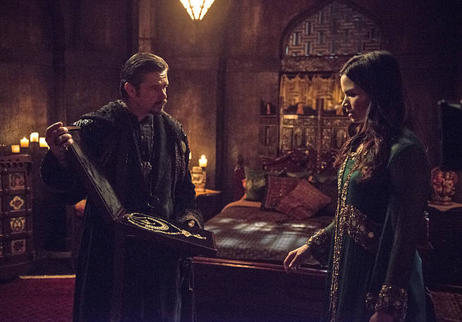 """Arrow -- """"This is Your Sword"""" -- Image AR322A_0022b -- Pictured (L-R): Matt Nable as Ra's al Ghul and Katrina Law as Nyssa al Ghul -- Photo: Cate Cameron/The CW -- © 2015 The CW Network, LLC. All Rights Reserved."""