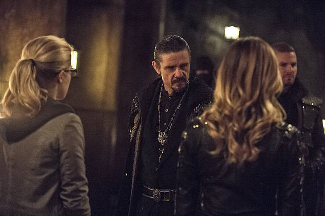 """Arrow -- """"This is Your Sword"""" -- Image AR322B_0091b -- Pictured: Matt Nable as Ra's al Ghul -- Photo: Cate Cameron/The CW -- © 2015 The CW Network, LLC. All Rights Reserved."""