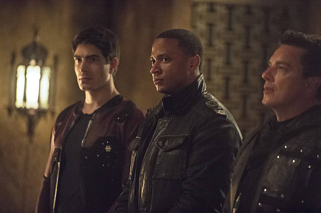 """Arrow -- """"This is Your Sword"""" -- Image AR322B_0063b -- Pictured (L-R): Brandon Routh as Ray Palmer, David Ramsey as John Diggle and John Barrowman as Malcolm Merlyn -- Photo: Cate Cameron/The CW -- © 2015 The CW Network, LLC. All Rights Reserved."""