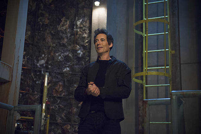 """The Flash -- """"Grodd Lives"""" -- Image FLA121B_0148b -- Pictured: Tom Cavanagh as Harrison Wells -- Photo: Cate Cameron/The CW -- © 2015 The CW Network, LLC. All rights reserved."""