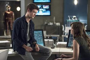 "The Flash -- ""The Fury of Firestorm"" -- FLA204A_0169b -- Pictured (L-R): Grant Gustin as Barry Allen and Danielle Panabaker as Caitlin Snow -- Photo: Cate Cameron /The CW -- © 2015 The CW Network, LLC. All rights reserved."