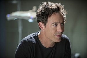 """The Flash -- """"The Man Who Saved Central City"""" -- Image FLA201b_0031b -- Pictured: Tom Cavanagh as Harrison Wells -- Photo: Cate Cameron /The CW -- © 2015 The CW Network, LLC. All rights reserved"""