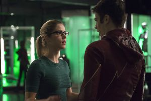 "The Flash -- ""Legends of Today"" -- Image FLA208B_0078b2.jpg -- Pictured (L-R): Emily Bett Rickards as Felicity Smoak and Grant Gustin as Barry Allen  -- Photo: Cate Cameron /The CW -- © 2015 The CW Network, LLC. All rights reserved."