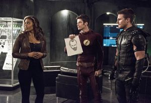 "The Flash -- ""Legends of Today"" -- Image FLA208B_0011b.jpg -- Pictured (L-R): Ciara Renee as Kendra Saunders, Grant Gustin as Barry Allen and Stephen Amell as Oliver Queen -- Photo: Cate Cameron/The CW -- © 2015 The CW Network, LLC. All rights reserved."