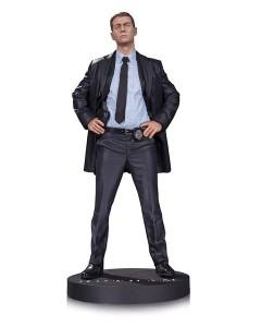 Gotham_Gordon_Statue