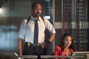 """The Flash -- """"Gorilla Warfare"""" -- Image FLA207B_0299b.jpg -- Pictured (L-R): Jesse L. Martin as Detective Joe West and Candice Patton as Iris West -- Photo: Cate Cameron/The CW -- © 2015 The CW Network, LLC. All rights reserved."""