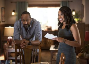 "The Flash -- ""Gorilla Warfare"" -- Image FLA207A_0335b.jpg -- Pictured (L-R): Jesse L. Martin as Detective Joe West and Candice Patton as Iris West -- Photo: Diyah Pera/The CW -- © 2015 The CW Network, LLC. All rights reserved."