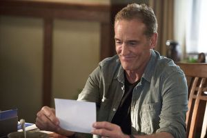 "The Flash -- ""Gorilla Warfare"" -- Image FLA207A_0401b.jpg -- Pictured: John Wesley Shipp as Henry Allen -- Photo: Diyah Pera/The CW -- © 2015 The CW Network, LLC. All rights reserved."