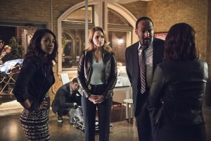 """The Flash -- """"The Darkness and the Light"""" -- Image FLA205B_0001b2.jpg -- Pictured (L-R): Candice Patton as Iris West, Shantel VanSanten as Patty Spivot and Jesse L. Martin as Detective Joe West -- Photo: Cate Cameron/The CW -- © 2015 The CW Network, LLC. All rights reserved."""
