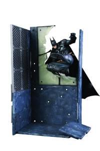 BATMAN ARKHAM KNIGHT GAME BATMAN ARTFX+ STATUE $84.99