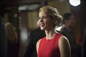 """Arrow -- """"Dark Waters"""" -- Image AR409B_0208b.jpg -- Pictured: Emily Bett Rickards as Felicity Smoak -- Photo: Diyah Pera/ The CW -- © 2015 The CW Network, LLC. All Rights Reserved."""