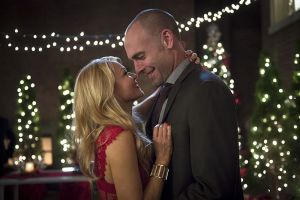 """Arrow -- """"Dark Waters"""" -- Image AR409B_0042b.jpg -- Pictured (L-R): Charlotte Ross as Donna Smoak and Paul Blackthorne as Detective Quentin Lance -- Photo: Diyah Pera/ The CW -- © 2015 The CW Network, LLC. All Rights Reserved."""
