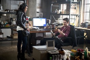"The Flash -- ""The Reverse Flash Returns"" -- Image FLA211a_0312b -- Pictured (L-R): Candice Patton as Iris West and Grant Gustin as Barry Allen -- Photo: Diyah Pera/The CW -- © 2016 The CW Network, LLC. All rights reserved."