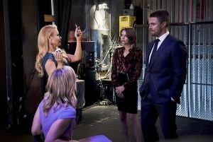 """Arrow -- """"Code of Silence"""" -- Image AR414b_0007b.jpg -- Pictured (L-R):  Charlotte Ross as Donna Smoak, Emily Bett Rickards as Felicity Smoak, Willa Holland as Thea Queen, and Stephen Amell as Oliver Queen -- Photo: Katie Yu/ The CW -- © 2016 The CW Network, LLC. All Rights Reserved."""