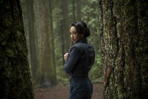 """The Flash -- """"Escape From Earth-2"""" -- Image FLA214b_0144b -- Pictured: Candice Patton as Earth 2 Iris West -- Photo: Bettina Strauss/The CW -- © 2016 The CW Network, LLC. All rights reserved."""