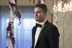 "Arrow -- ""Broken Hearts"" -- Image AR416a_0091b.jpg -- Pictured (L-R): Stephen Amell as Oliver Queen -- Photo: Katie Yu/The CW -- © 2016 The CW Network, LLC. All Rights Reserved."