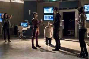 """The Flash -- """"Trajectory"""" -- Image FLA216b_0041b -- Pictured (L-R): Carlos Valdes as Cisco Ramon, Allison Paige as Trajectory, Violett Beane as Jesse, Tom Cavanagh as Harrison Wells, and Danielle Panabaker as Caitlin Snow -- Photo: Katie Yu/The CW -- © 2016 The CW Network, LLC. All rights reserved."""
