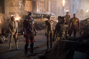 """DC's Legends of Tomorrow -- """"Star City 2046"""" -- Image LGN106b_0439b.jpg -- Pictured (L-R): Caity Lotz as Sara Lance/ White Canary, Brandon Routh as Ray Palmer/Atom, Ciara Renee as Kendra Saunders/Hawkgirl, Joseph David-Jones as Connor Hawke / Green Arrow, Arthur Darvill as Rip Hunter, and Franz Drameh as Jefferson """"Jax"""" Jackson -- Photo: Diyah Pera/The CW -- © 2016 The CW Network, LLC. All Rights Reserved."""