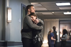 """Arrow -- """"Canary Cry"""" -- Image AR419a_0049b.jpg -- Pictured (L-R): Stephen Amell as Oliver Queen and Willa Holland as Thea Queen -- Photo: Dean Buscher/The CW -- © 2016 The CW Network, LLC. All Rights Reserved."""