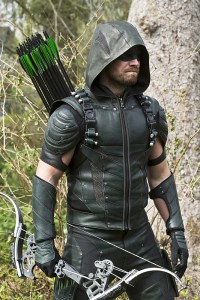 """Arrow -- """"Lost in the Flood"""" -- Image AR422b_0042b.jpg -- Pictured: Stephen Amell as Green Arrow -- Photo: Katie Yu/The CW -- © 2016 The CW Network, LLC. All Rights Reserved."""