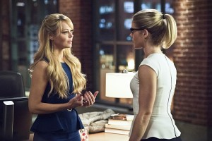 """Arrow -- """"Lost in the Flood"""" -- Image AR422a_0313b.jpg -- Pictured (L-R): Charlotte Ross as Donna Smoak and Emily Bett Rickards as Felicity Smoak -- Photo: Dean Buscher/The CW -- © 2016 The CW Network, LLC. All Rights Reserved."""