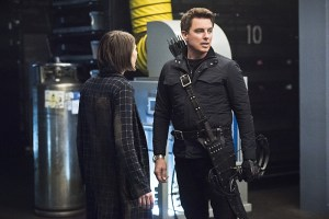"Arrow -- ""Monument Point"" -- Image AR421a_0159b.jpg -- Pictured (L-R): Willa Holland as Thea Queen and John Barrowman as Malcolm Merlyn  -- Photo: Dean Buscher/The CW -- © 2016 The CW Network, LLC. All Rights Reserved."