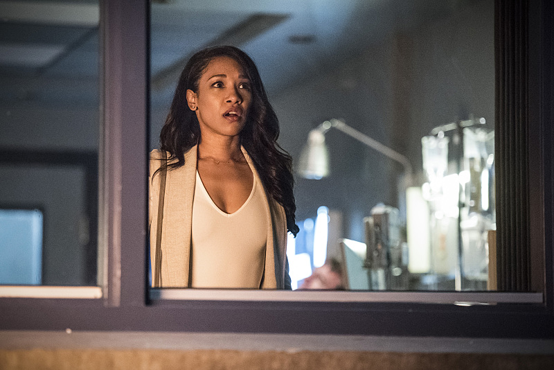 "The Flash -- ""Magenta"" -- Image: FLA303a_0177b.jpg -- Pictured: Candice Patton as Iris West -- Photo: Dean Buscher/The CW -- © 2016 The CW Network, LLC. All rights reserved."