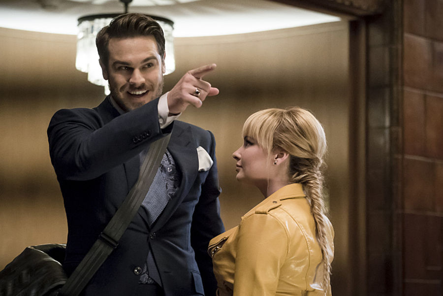 """The Flash -- """"The New Rouges"""" -- Image FLA304a_0078b.jpg -- Pictured (L-R): Grey Damon as Sam Scudder and Ashley Rickards as Rosalind Rosa Dillion -- Photo: Katie Yu/The CW -- © 2016 The CW Network, LLC. All rights reserved."""