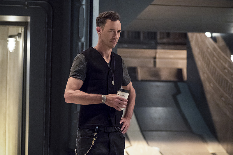 "The Flash -- ""The Present"" -- Image FLA309b_0105b.jpg -- Pictured: Tom Cavanagh as Harrison Wells -- Photo: Katie Yu/The CW -- © 2016 The CW Network, LLC. All rights reserved."