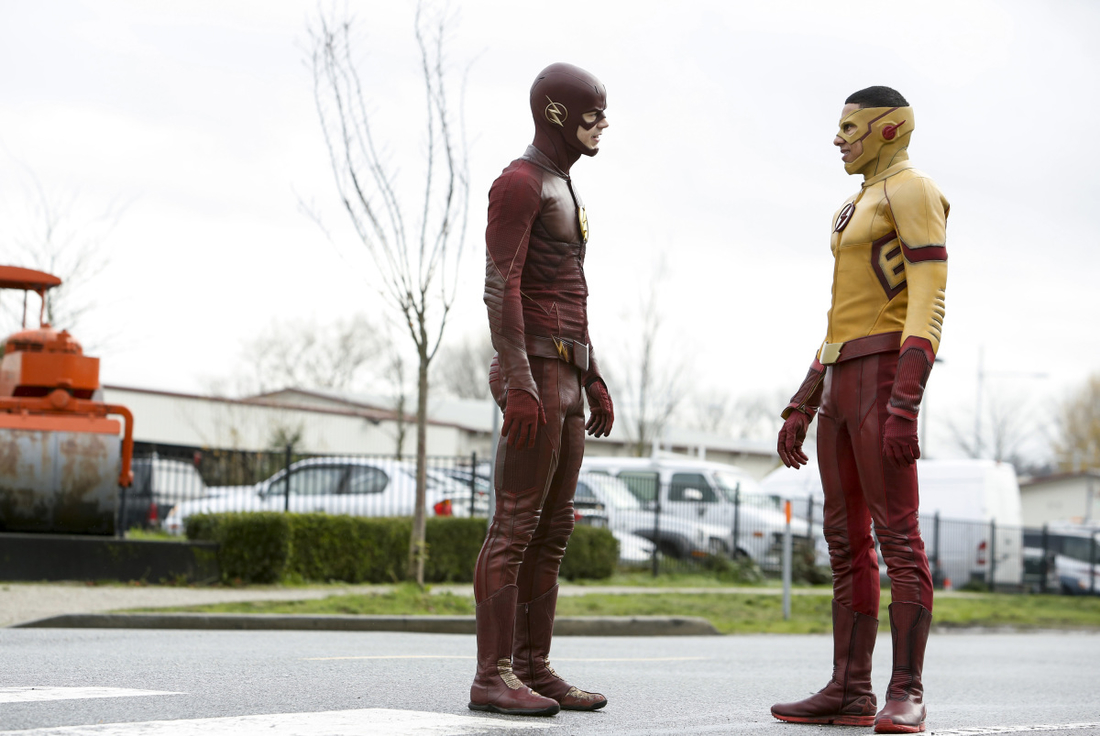 "The Flash -- "" Untouchable"" -- FLA312b_0007b.jpg -- Pictured (L-R):  Grant Gustin as The Flash and Keiynan Lonsdale as Kid Flash -- Photo: Bettina Strauss/The CW -- © 2017 The CW Network, LLC. All rights reserved."